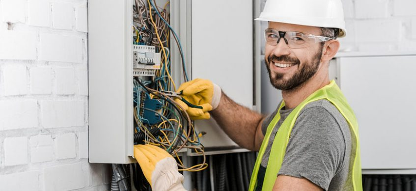 The Advantages of Hiring a Licensed Electrician - SiteTech Electrical