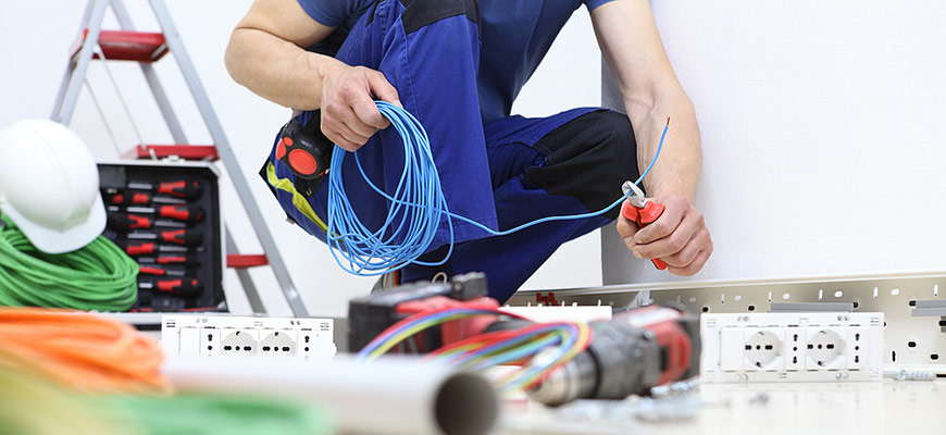 Stay Within Budget Hiring Electrical Contractor